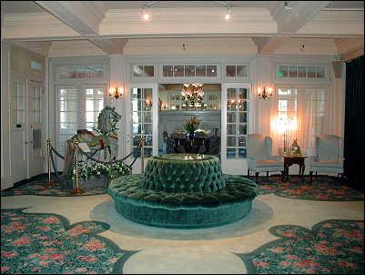 Columbia Gorge Hotel Lobby